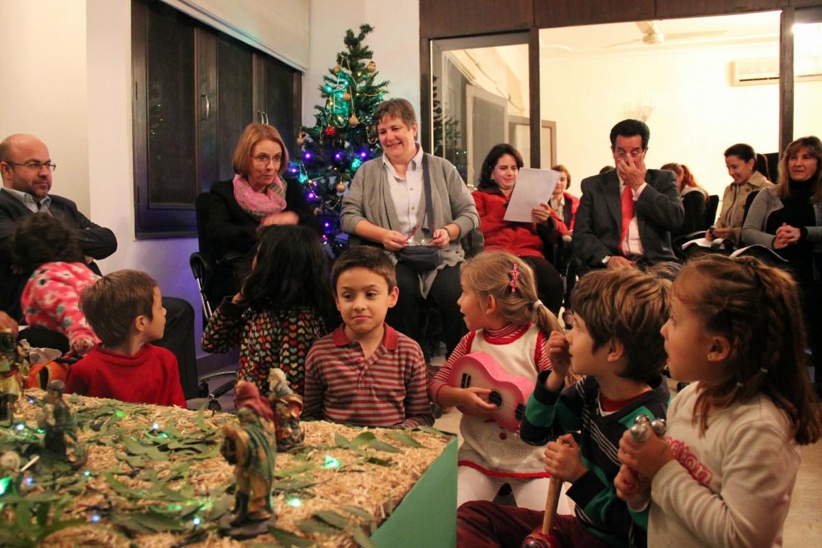Fotos De Colombia En Navidad.Celebracion De Dia De Las Velitas Y La Novena De Navidad En