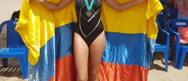 Consulado acompaña a atleta colombiana en travesía por el Rio Negro en Manaos
